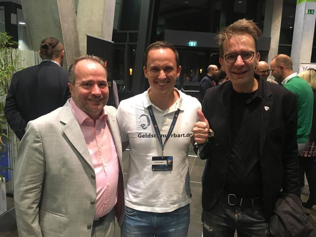 Thomas Knedel (Veranstalter), Geldschnurrbart (Medienpartner), Investmentpunk Gerald Hörhan (Referent)